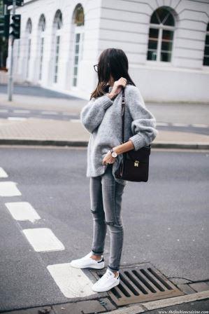 Уличный стиль одежды с кроссовками