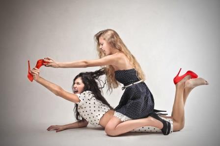Борьба двух девушек