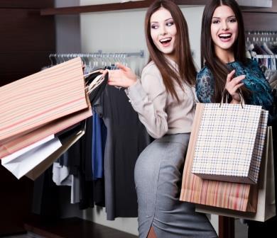 Совместный шопинг двух подружек