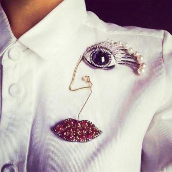 Как носить брошь