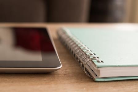 Блокнот и планшет