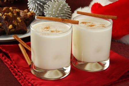 Молочные коктейли в чашке