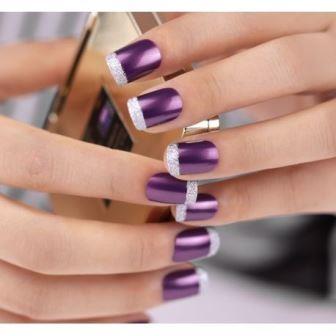 Нестандартный френч маникюр фиолетового цвета
