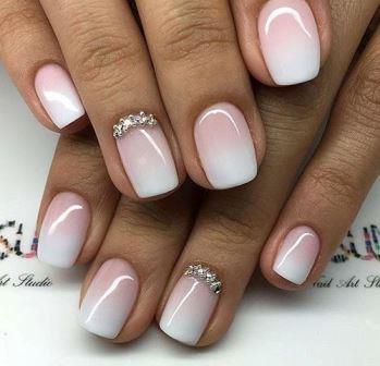 Пастельный переход цветов на ногтях