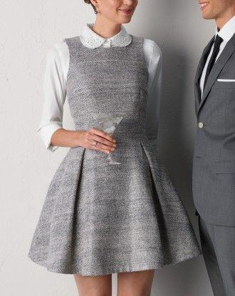 Аккуратное серое платье в офис